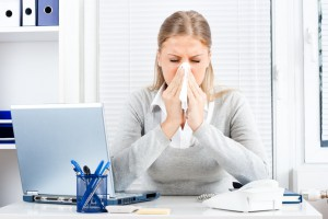 SOS Erkältung: So schützt ihr euch im Büro vor Viren und Co.