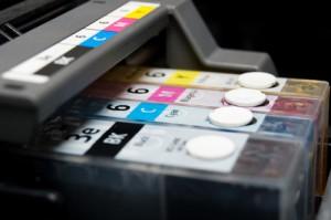 Woher weiß der Drucker, wie viel Tinte noch da ist?