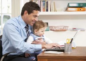 Zurück im Büro, der Wiedereinstieg nach der Elternzeit – Das solltet ihr wissen