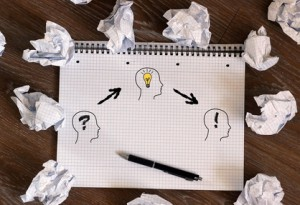 Wirbelsturm der Gedanken: Brainstorming-Tipps und hilfreiche Tools